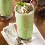 Chocolate Peppermint Green Smoothie